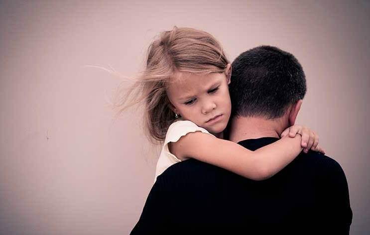 5 traces émotionnelles chez les enfants de parents alcooliques