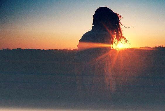 Femme-lever-du-soleil-1