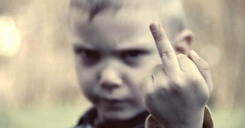 Éduquez des enfants sans limites et ils vous acculeront