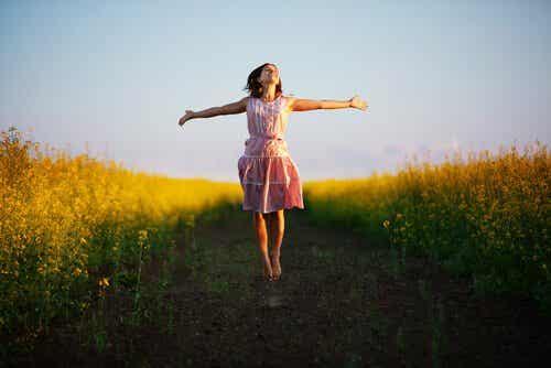 """Le train """"être heureux-se"""" ne passe pas par la gare """"être le/la meilleur-e"""""""