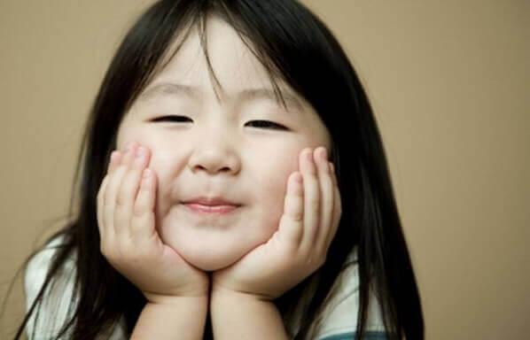 Pourquoi les enfants japonais obéissent à leurs parents et ne font pas de caprices ?