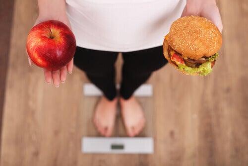 7 techniques psychologiques qui vous aideront à perdre du poids