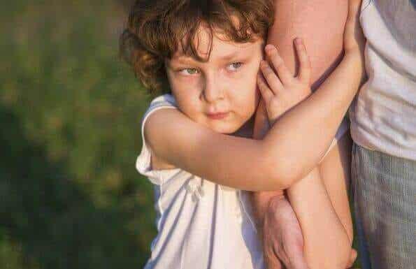 La différence qu'il y a entre choyer un enfant et le rendre incompétent