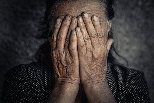 Quel lien y a-t-il entre les émotions négatives et la douleur chronique ?