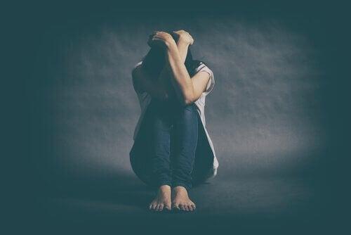 Dépression majeure : qu'est-ce qui la cause et comment se traite-t-elle ?