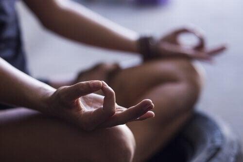 Découvrez les 4 étapes fondamentales pour commencer à méditer