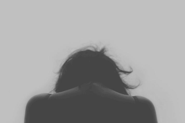 femme victime de maltraitance