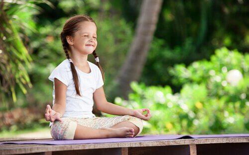 La méditation dans l'enfance : cultivons dès le plus jeune âge notre jardin intérieur