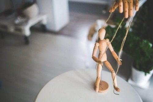 manipulation d'une marionnette