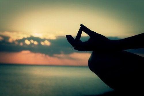 position pour commencer à méditer