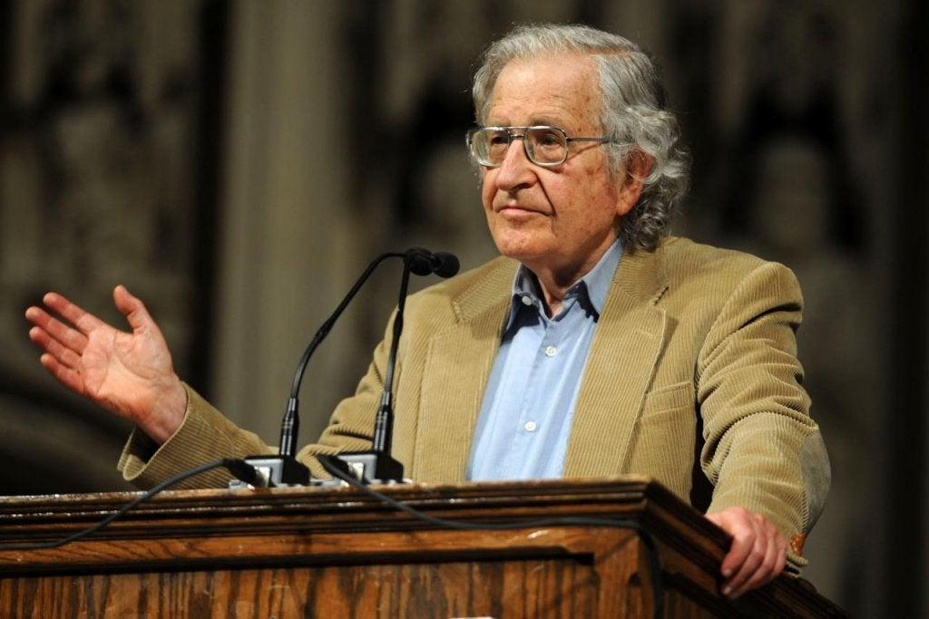 Ma famille ne connaît pas Noam Chomsky