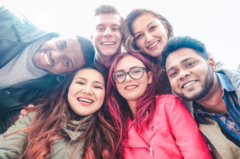 Narcissisme collectif : des groupes qui s'aiment