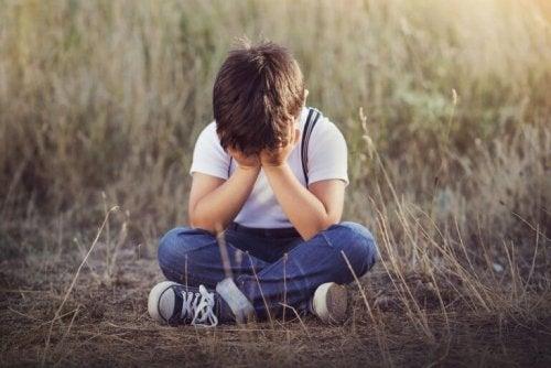 enfant triste en train de pleurer