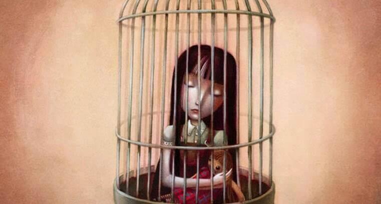 petite fille en cage