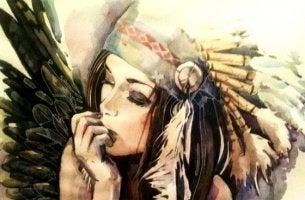 femme avec des plumes