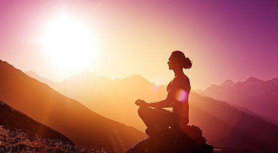 femme pratiquant le wellness