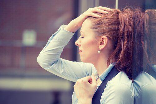 femme stressée par le travail