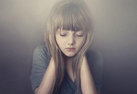 enfant ayant besoin de libérer ses émotions