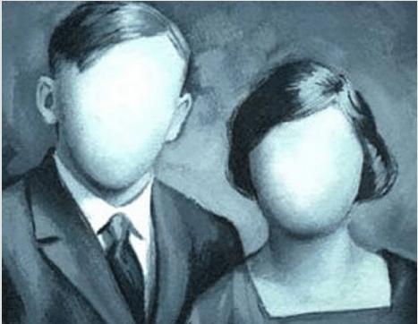 homme et femme aux visages vides
