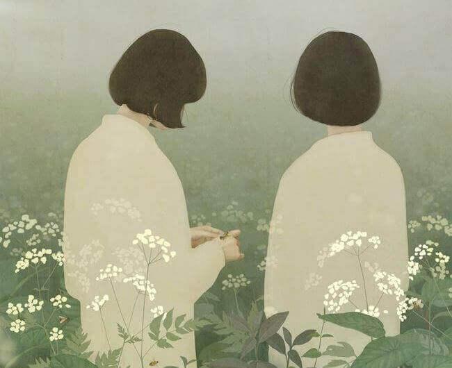 deux femmes dans un champs