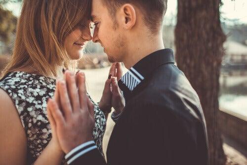 Apprendre à aimer dans des relations de couple équilibrées et saines