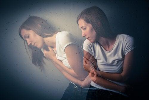 femme sous les effets de l'ecstasy