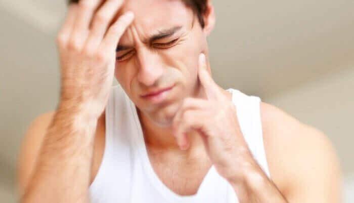 homme sous les effets de l'ecstasy