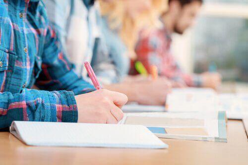 Les examens évaluent-ils correctement les élèves ?