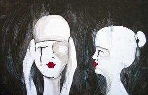 deux femmes qui pleurent