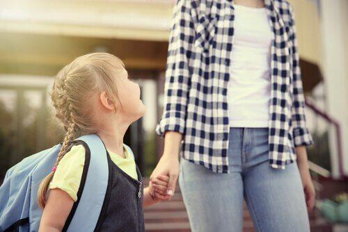 S'il te plait maman/papa, fais en sorte que mon premier jour d'école se passe bien