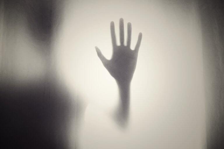 ombre d'une main