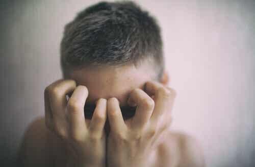 Les patients invisibles, ou les jeunes dans le contexte de la maladie