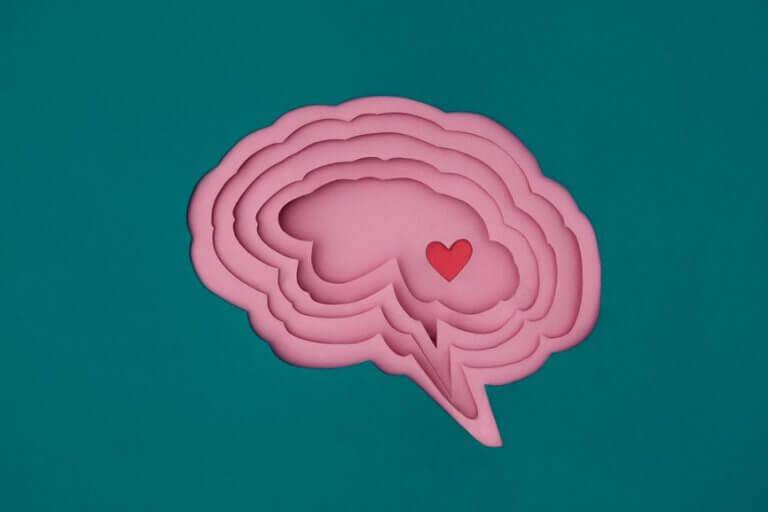cerveau avec un coeur