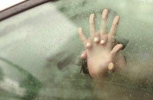 couple dans une voiture