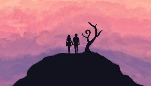 couple sur une montagne