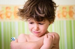 enfant avec une crise de colere