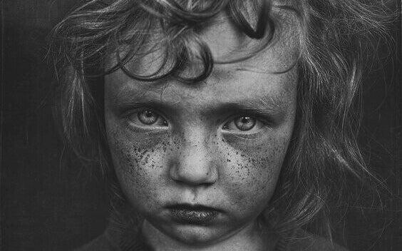 5 caractéristiques associées aux traumatismes de l'enfance