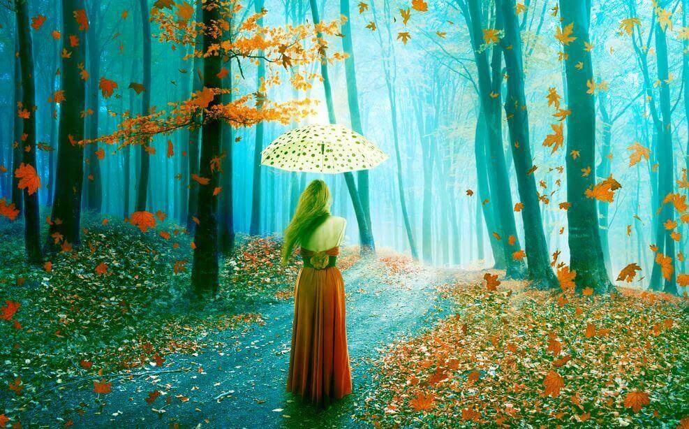 femme sous son parapluie