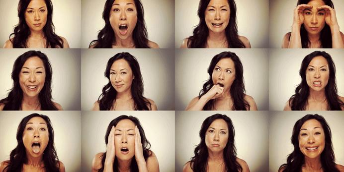 femme qui exprime des emotions