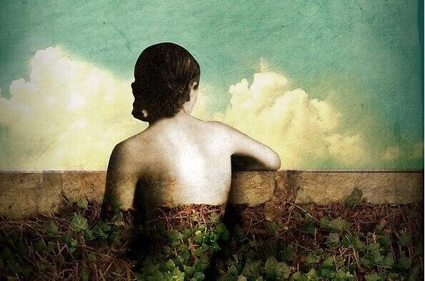 femme confondue dans le paysage