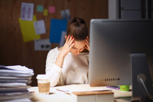 femme faisant un burnout