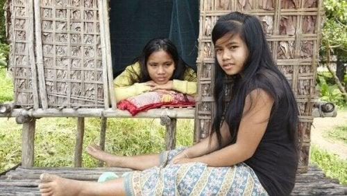 petites filles indigènes