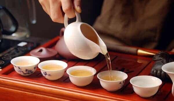 La cérémonie du thé et la méditation consciente