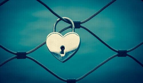 cadena en forme de coeur