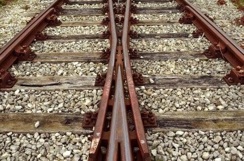 deux voies de train