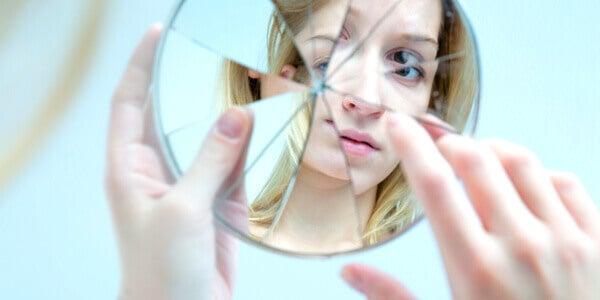 11 signes qui indiquent que vous êtes trop critique envers vous-même