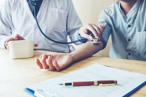 Connaissez-vous l'hypertension de la blouse blanche ?
