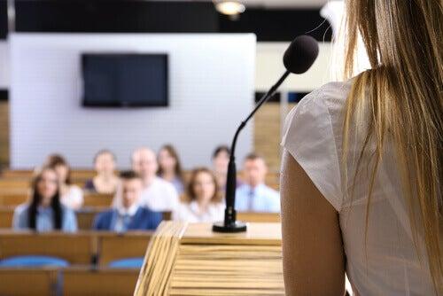 la confiance sociale est nécessaire au moment de parler en public