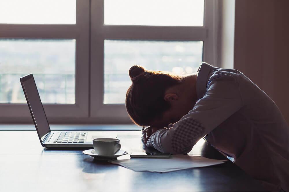 Personnes accros à la négativité : 6 caractéristiques