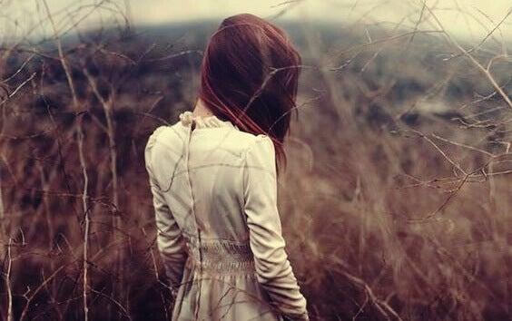 Les secrets de la timidité : entre profondeur psychologique et isolement